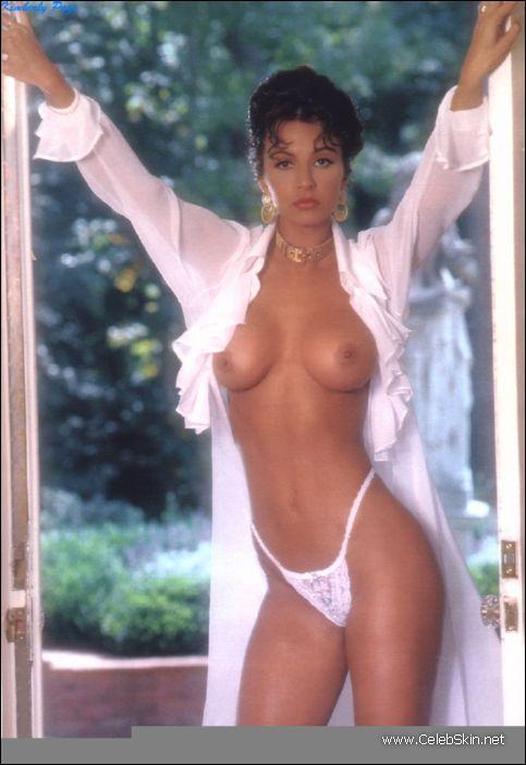 chelsea handler nude playboy pictures
