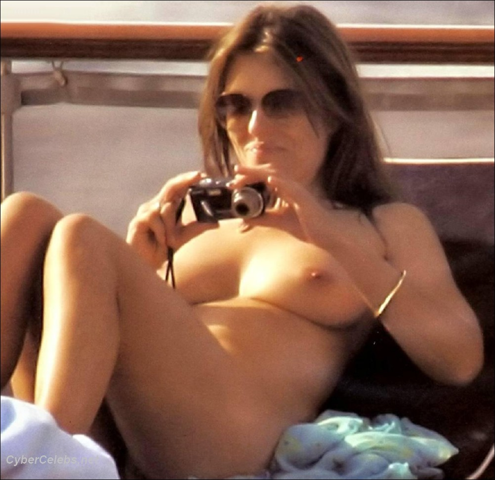 elizabeth hurley 025 Elizabeth Hurley free nude celebrity photos! Celebrity Movies, Sex Tapes, ...