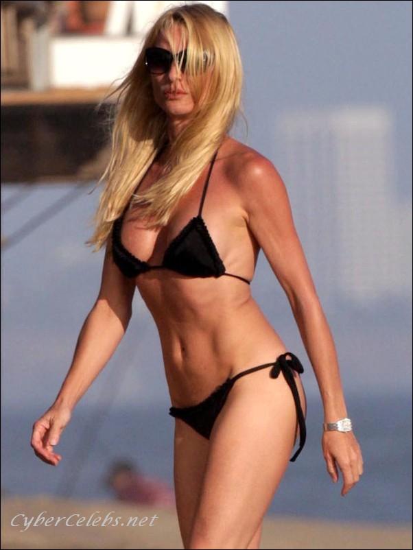 nicollette sheridan free nude celebrity photos celebrity